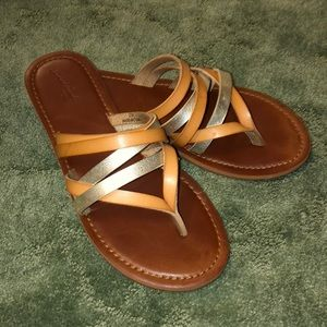 Universal thread tan and gold sandals 7 1/2